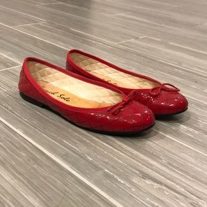 French Sole patent red flat, size 8